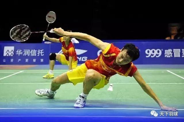 网球比分:要训练好打羽毛球的素质